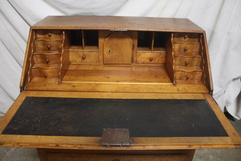 Superbe 18th Century French Desk Scriban For Sale 4