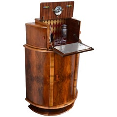 Superbly Stylish 1930s Art Deco Walnut Cocktail Cabinet Dry Bar
