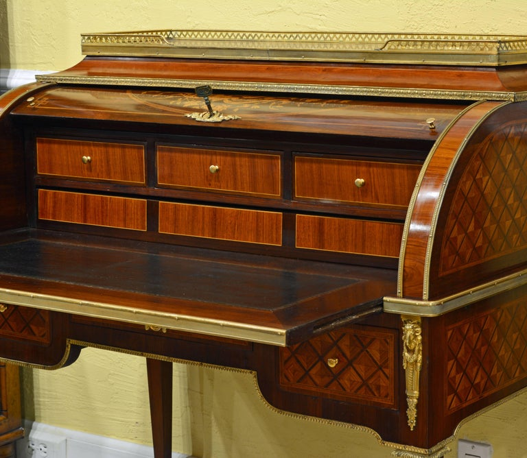 Superior 19th Century French Louis XVI Style Parquetry/Marquetry Cylinder Desk In Good Condition For Sale In Ft. Lauderdale, FL