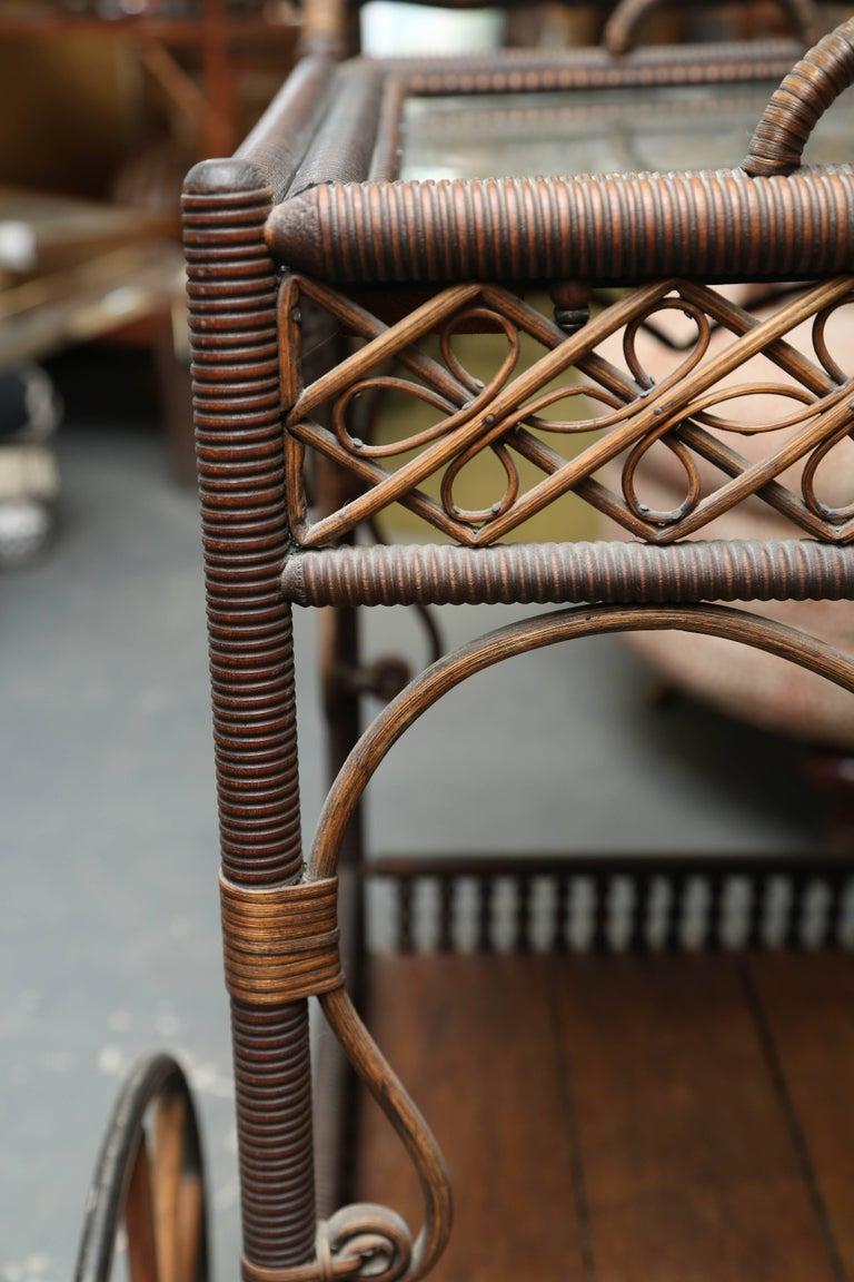 Superior Antique Wicker Bar / Tea Cart For Sale 2