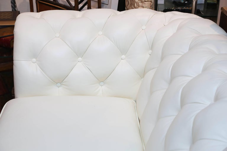 English Superior White Leather Chesterfield Sofa For Sale