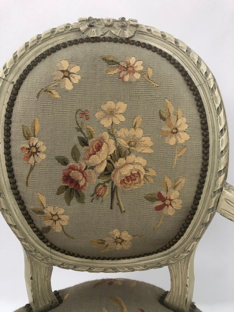 Supremely Pretty Louis XVI Style French Fauteuil Armchair In Excellent Condition For Sale In Hopewell, NJ