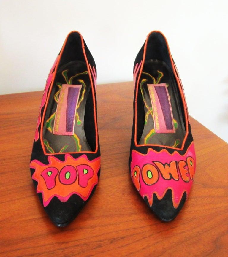 Black Susan Bennis Warren Edwards POP POWER Leather Suede Pump Shoes Pop Art  For Sale