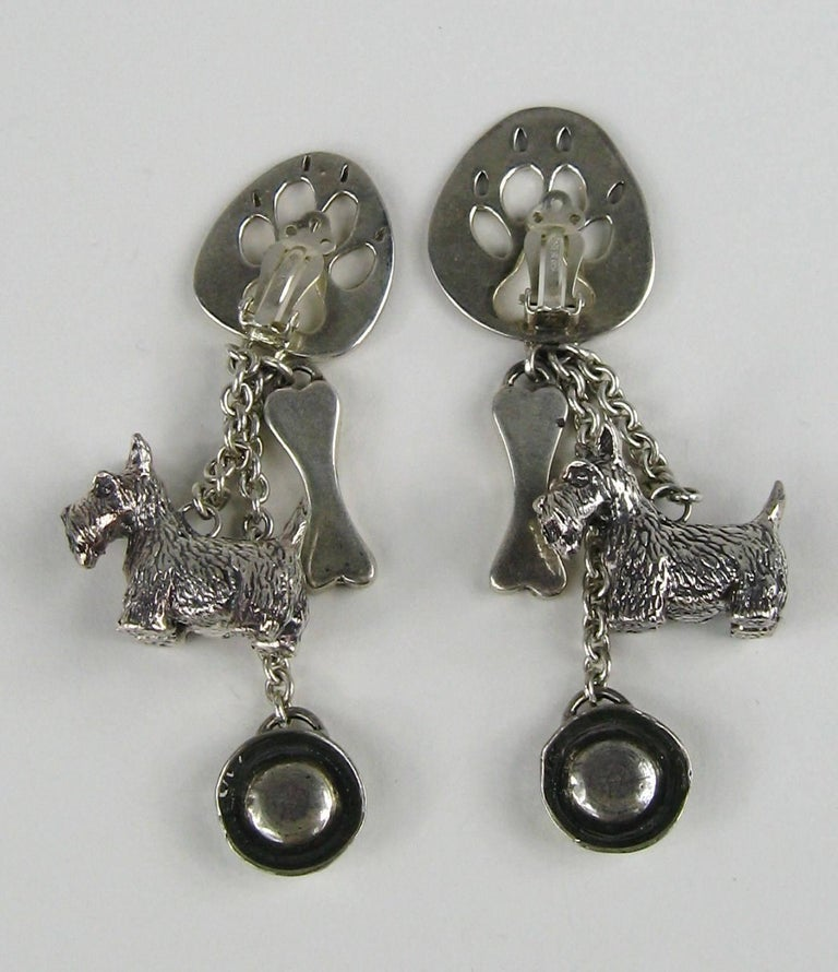 Susan Cummings Sterling Silver Dog Bone Dish Dangle earrings New, Never WORN  For Sale 2