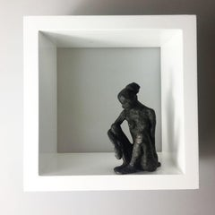 Small Sitting Figur - contemporary bronze nude female sculpture in wood-frame
