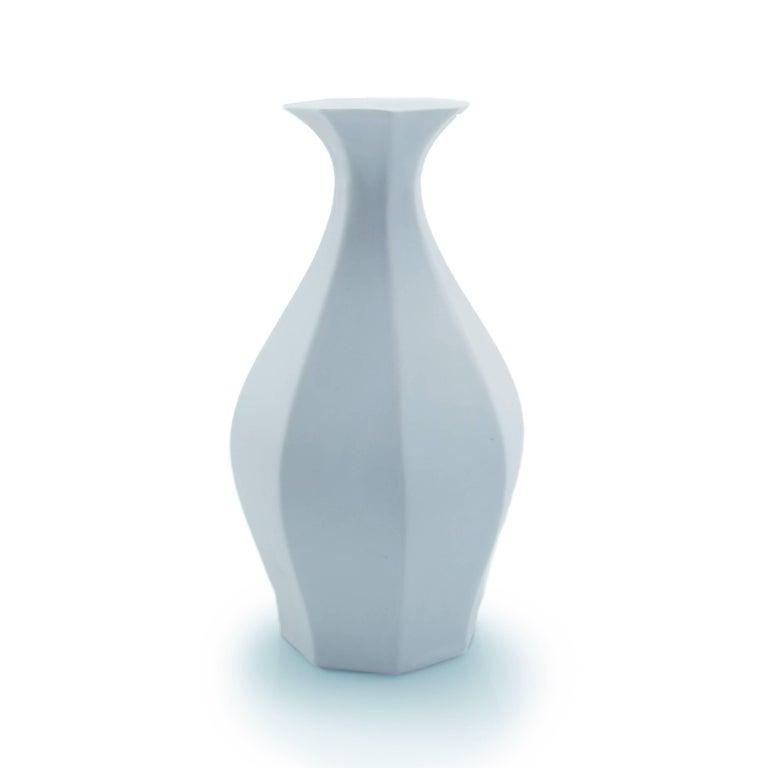 Table Vase Ink Black Flower Vase Modern Contemporary Glazed Porcelain For Sale 13