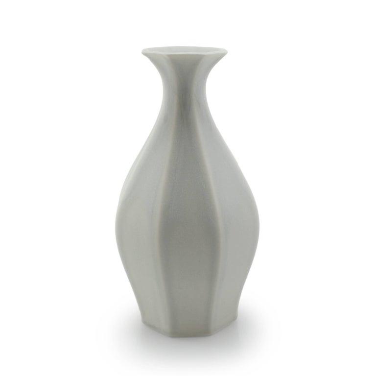 Table Vase Ink Black Flower Vase Modern Contemporary Glazed Porcelain For Sale 14