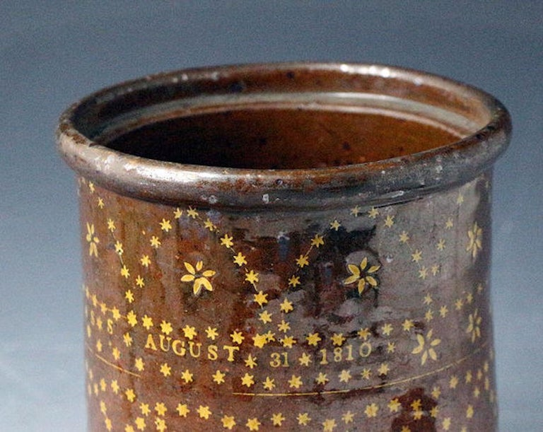 Sussex Pottery Slipware Jar Dated August 31st 1810 In Good Condition For Sale In Woodstock, OXFORDSHIRE