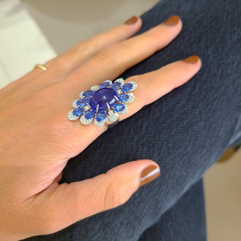 Modern Sutra 18 Karat Gold Ring with Cabochon Tanzanite, Blue Sapphires and Diamonds For Sale