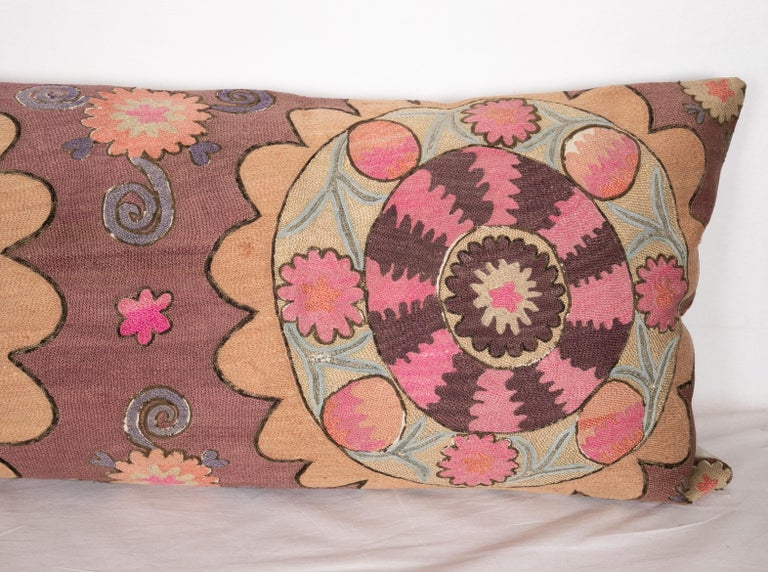 Suzani Body Pillow Fashioned from a Tashkent Suzani, Uzbekistan In Good Condition For Sale In Istanbul, TR
