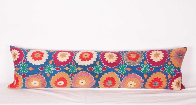 Suzani Lumbar Pillow Cases, Uzbekistan, Mid-20th Century In Good Condition For Sale In Istanbul, TR