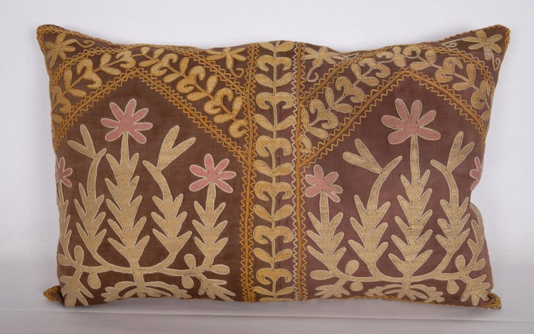 Suzani Pillow Case Made from a Mid-20th Century Samarkand Suzani In Good Condition For Sale In Istanbul, TR