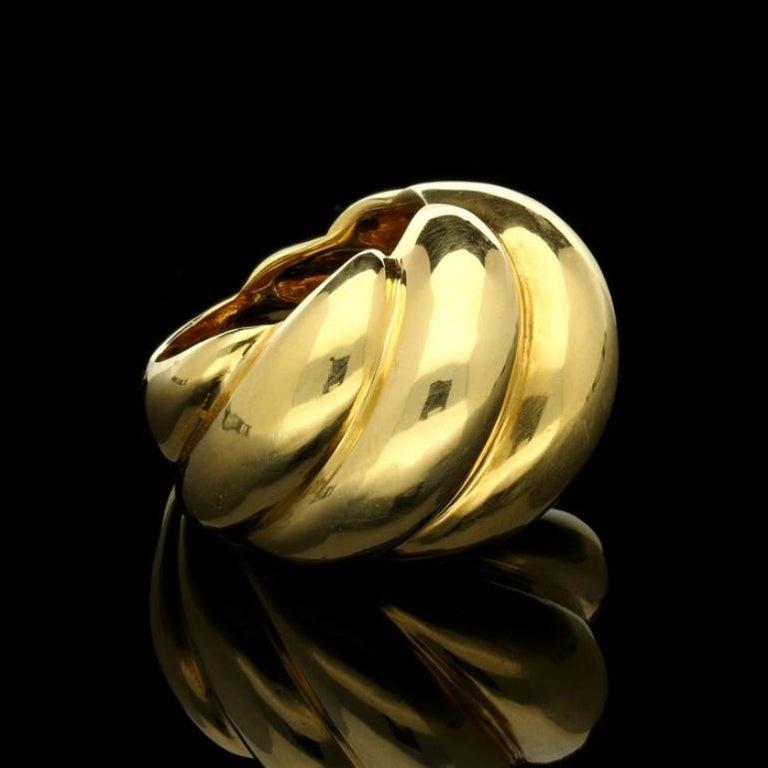 Women's or Men's Suzanne Belperron 18 Carat Yellow Gold 'Torsade' Ring, circa 1950s For Sale