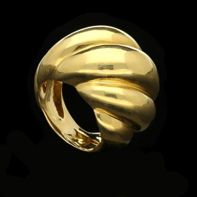 Suzanne Belperron 18 Carat Yellow Gold 'Torsade' Ring, circa 1950s For Sale 1
