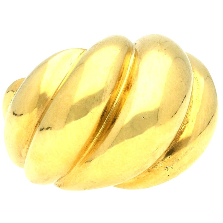 Suzanne Belperron 18 Carat Yellow Gold 'Torsade' Ring, circa 1950s For Sale