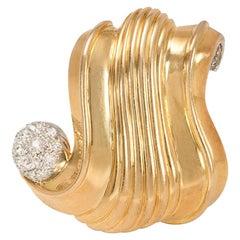 Suzanne Belperron 1940s Gold and Diamond Clip Brooch