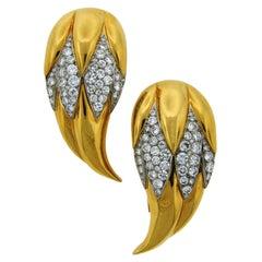 Suzanne Belperron Dents de Loup Diamond Gold Platinum Clip Brooches