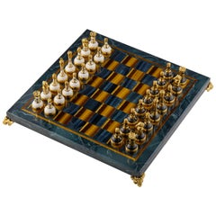 SV925 Gold Jewel Chess with Sapphire