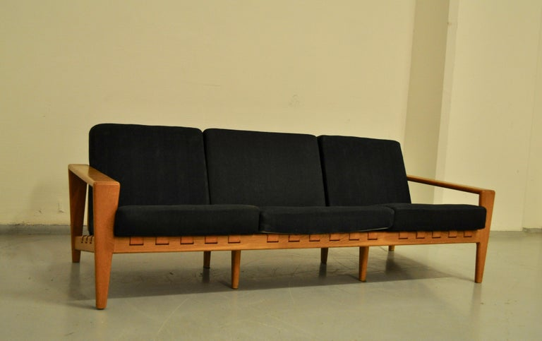 Svante Skogh Sofa Leather Structure, 1950 For Sale 1