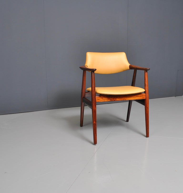 Sven Aage Eriksen desk chair for Glostrup, Denmark, circa 1960. Beautifully figured rosewood frame, fully and professionally reupholstered in soft Italian leather.