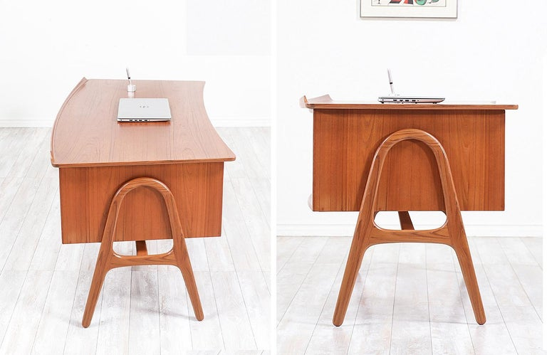 Svend A. Madsen Executive Teak Desk with Bookshelf for H.P. Hansen For Sale 3