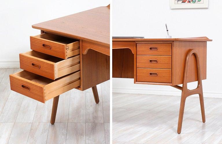 Svend A. Madsen Executive Teak Desk with Bookshelf for H.P. Hansen For Sale 4