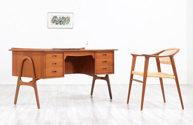 Mid-Century Modern Svend A. Madsen Executive Teak Desk with Bookshelf for H.P. Hansen For Sale