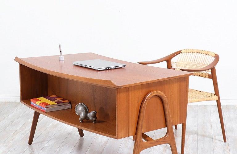 Wood Svend A. Madsen Executive Teak Desk with Bookshelf for H.P. Hansen For Sale