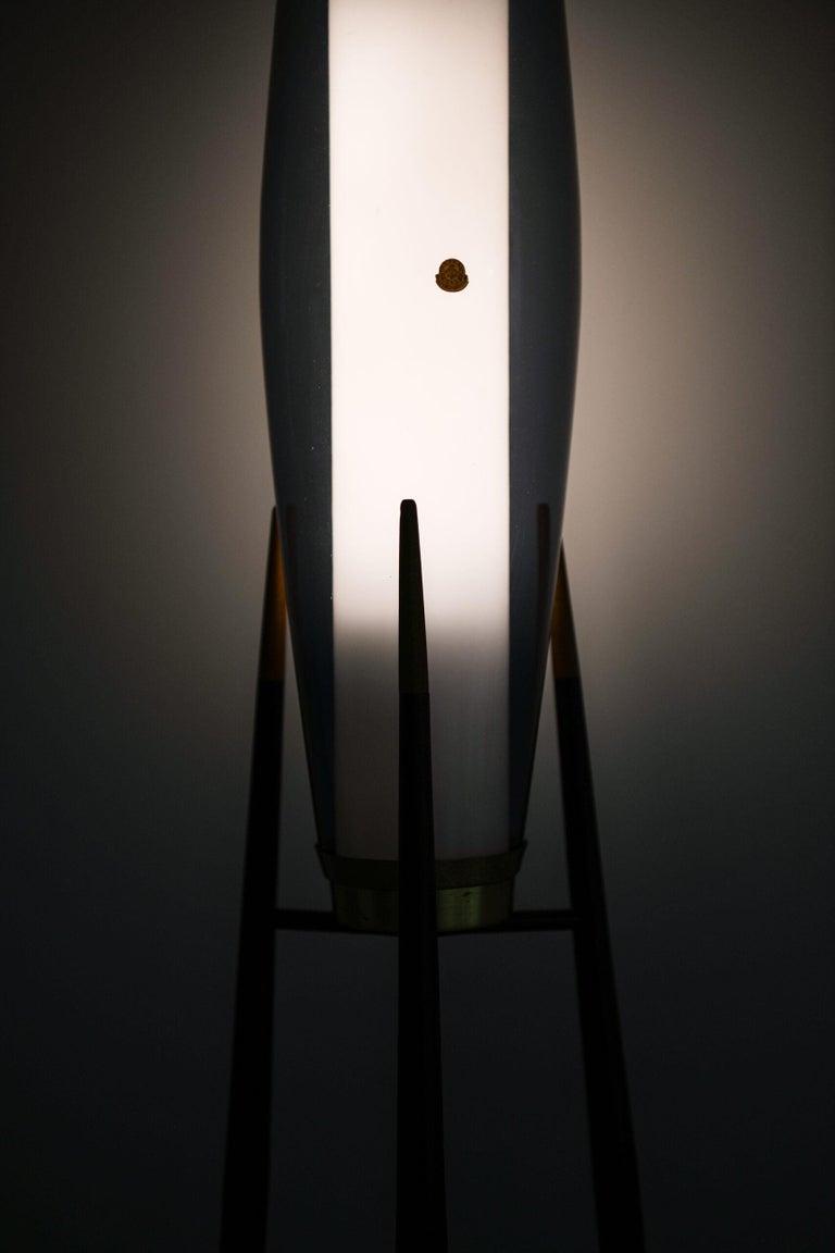 Mid-20th Century Svend Aage Holm Sørensen Floor Lamp Produced by Holm Sørensen & Co in Denmark For Sale