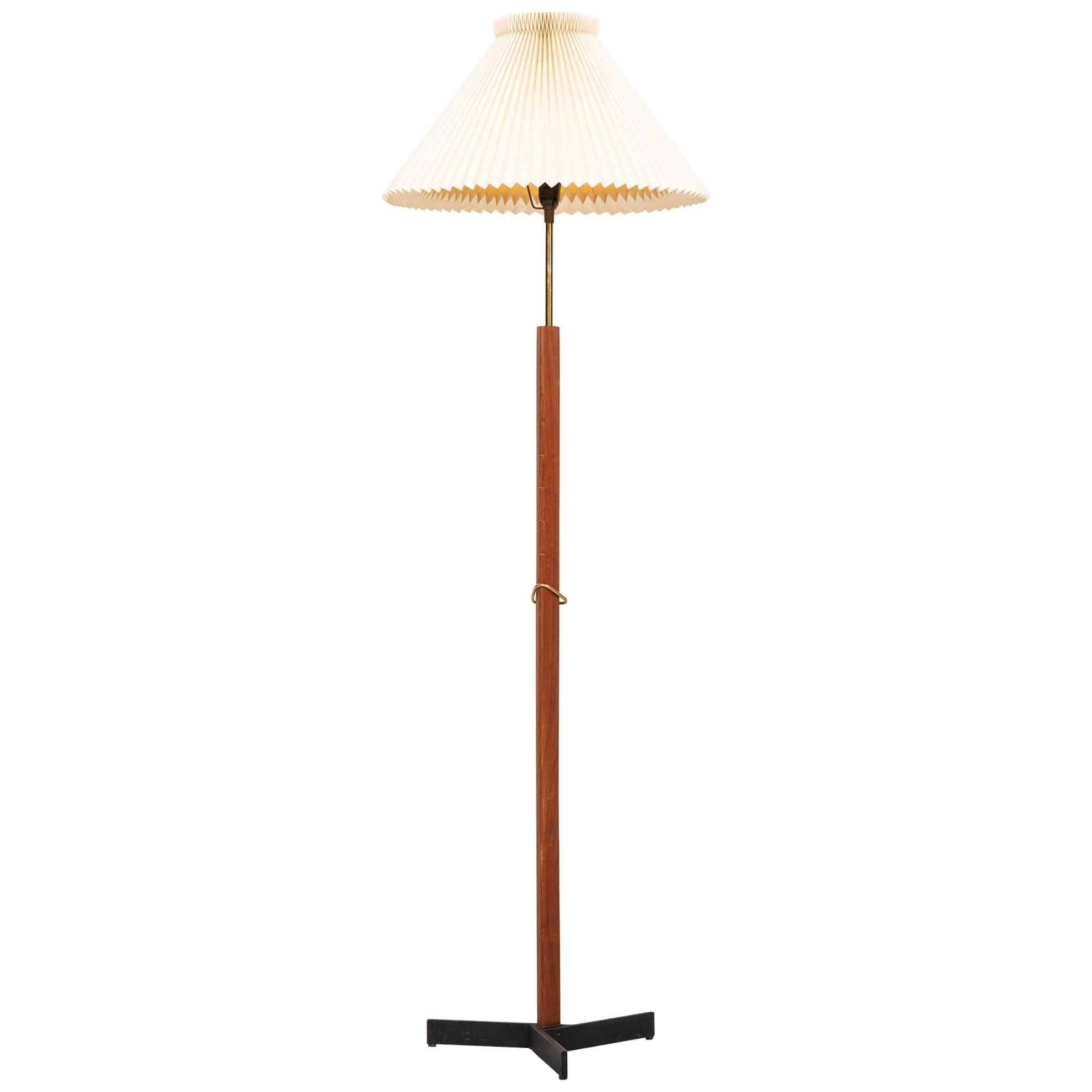 Svend Aage Holm Sørensen Floor Lamp Produced by Holm Sørensen & Co in Denmark