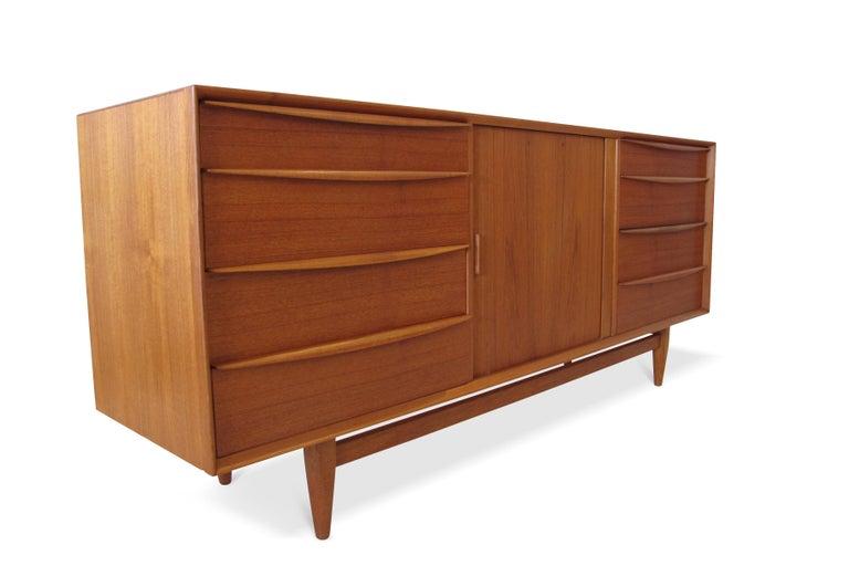 Svend Åge Madsen Teak 13-Drawer Dresser Cabinet In Excellent Condition For Sale In Berkeley, CA