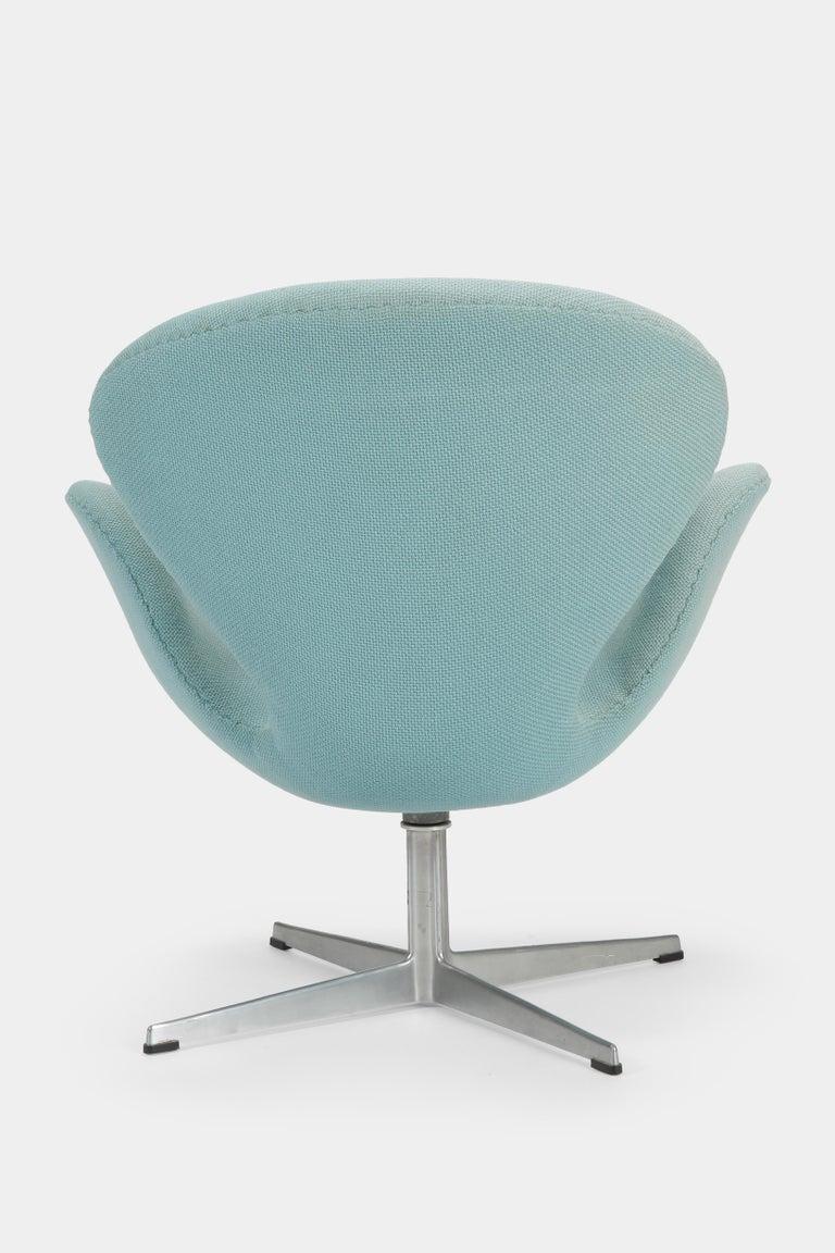 Swan Chair Arne Jacobsen Fritz Hansen, 1960s In Good Condition For Sale In Basel, CH