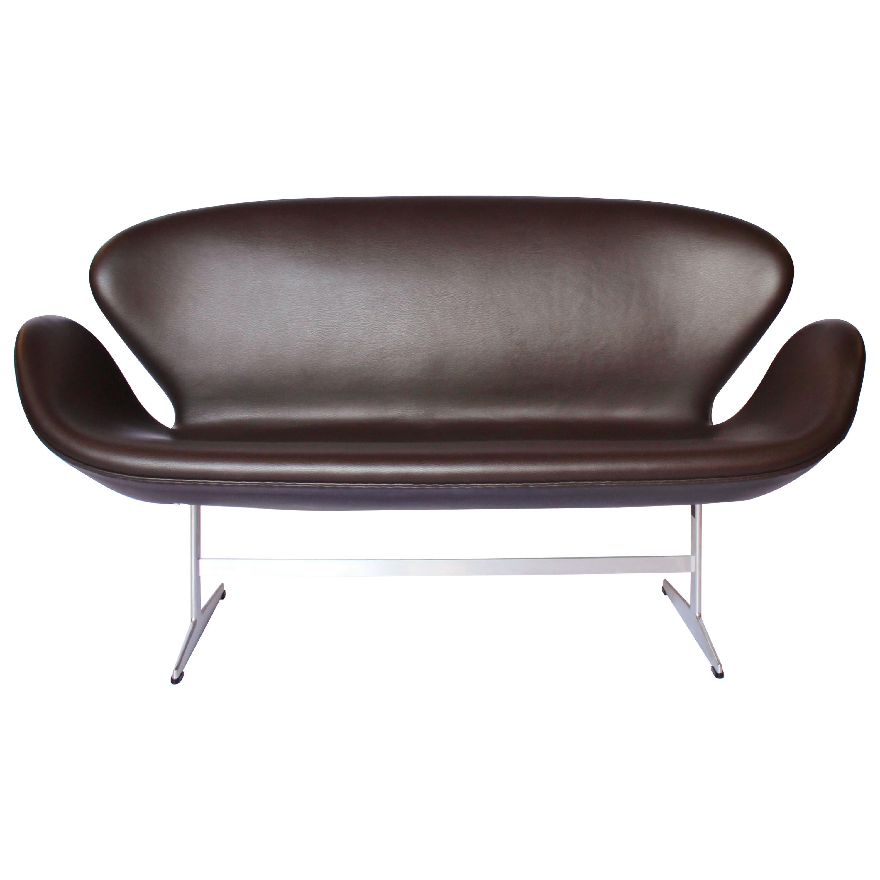 Swan Sofa, Model 3321, Two-Seat, by Arne Jacobsen and Fritz Hansen, 2016