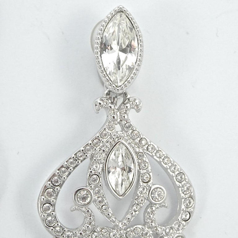 Swarovski Silver Tone Marquise and Round Crystal Swan Logo Chandelier Earrings In Good Condition For Sale In London, GB