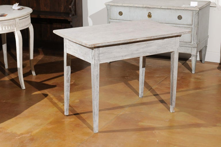 Swedish 1820s Gustavian Style Painted Wood Table with Drawer and Reeded Accents For Sale 5