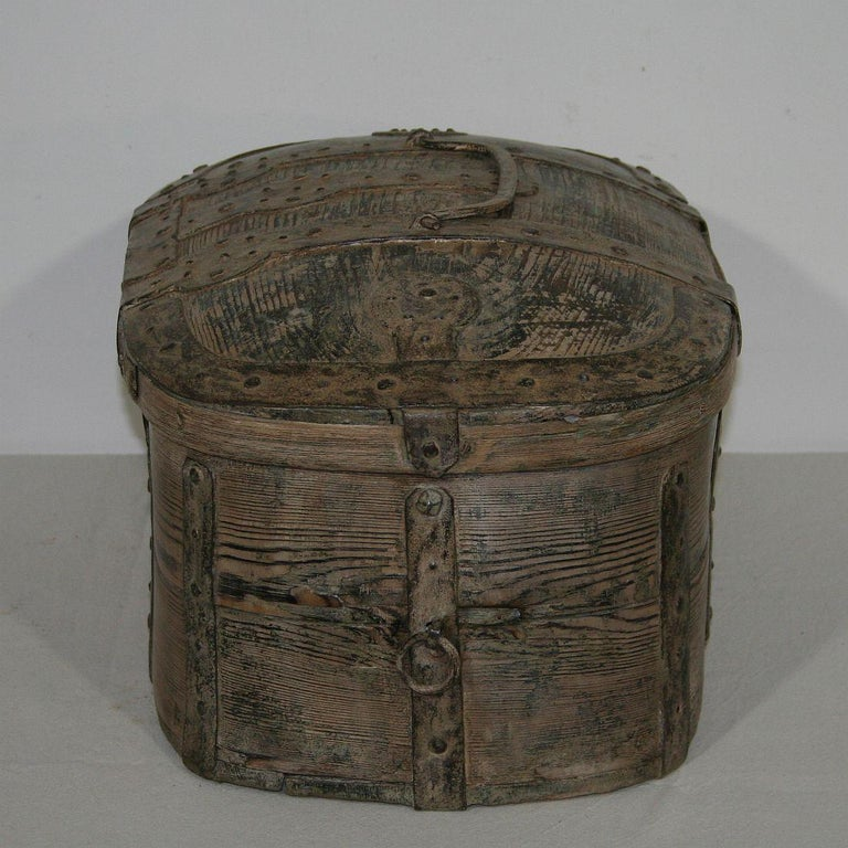 Swedish 18th Century Bentwood Travel Box or Chest In Good Condition In Amsterdam, NL