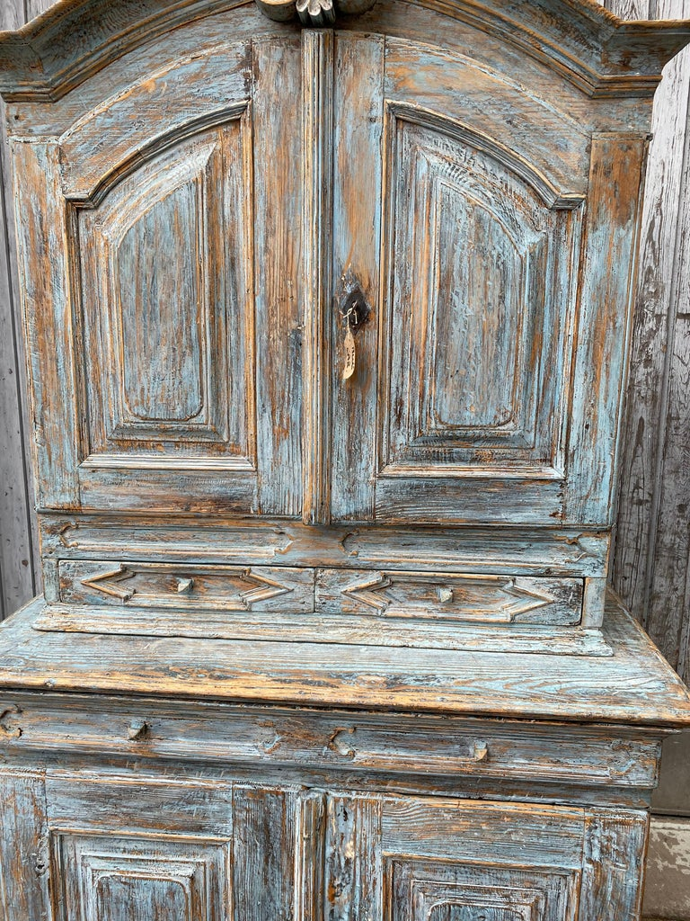Swedish 18th Century Blue Painted Rococo Cabinet, circa 1760 For Sale 3
