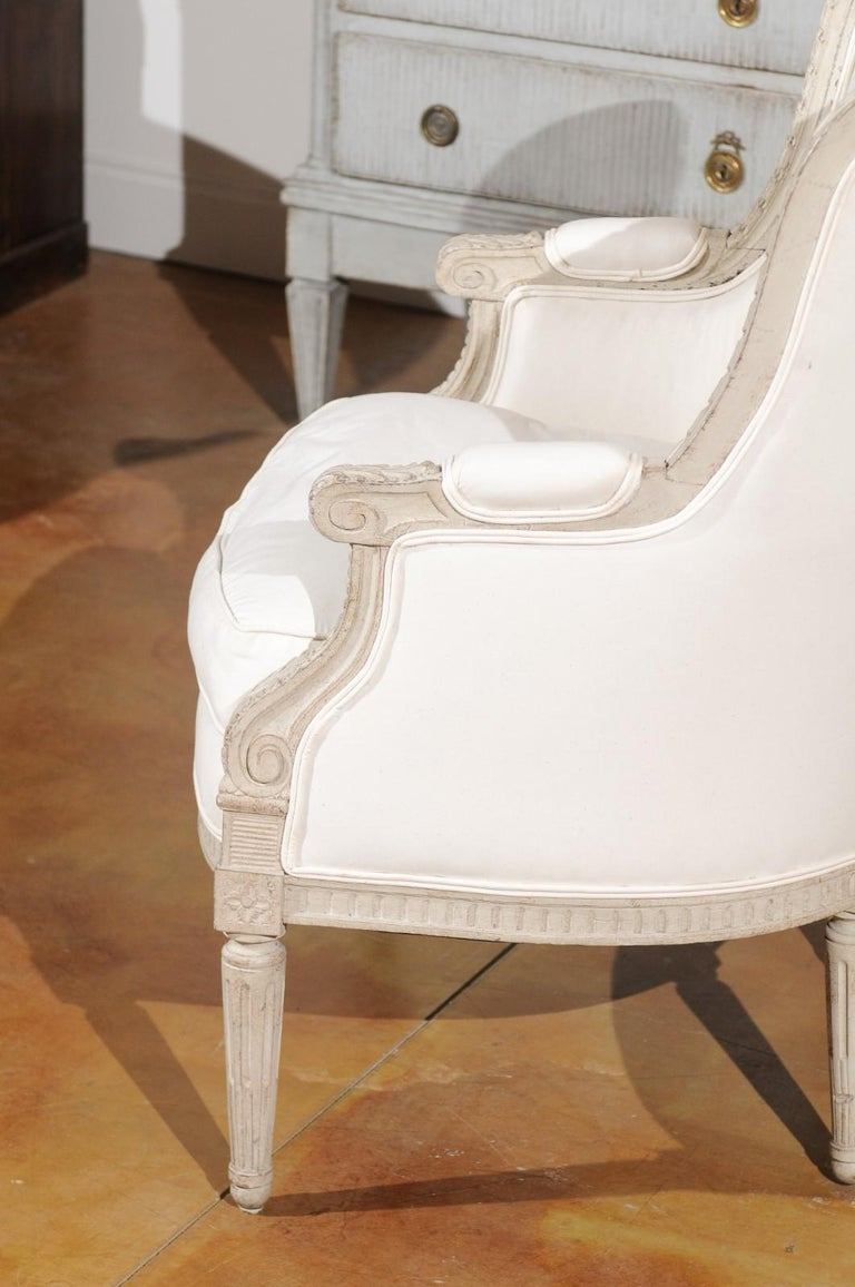 Swedish 1920s Neoclassical Style Painted Barrel Back Upholstered Bergère Chair For Sale 2