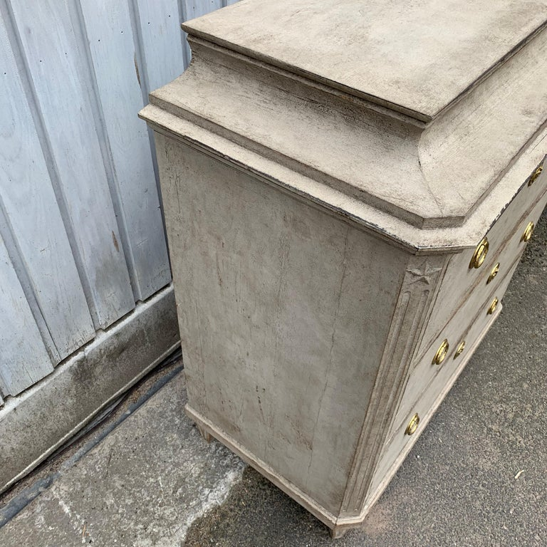 Swedish 19th Century Gray-Painted Gustavian Style Chest of Drawers For Sale 9