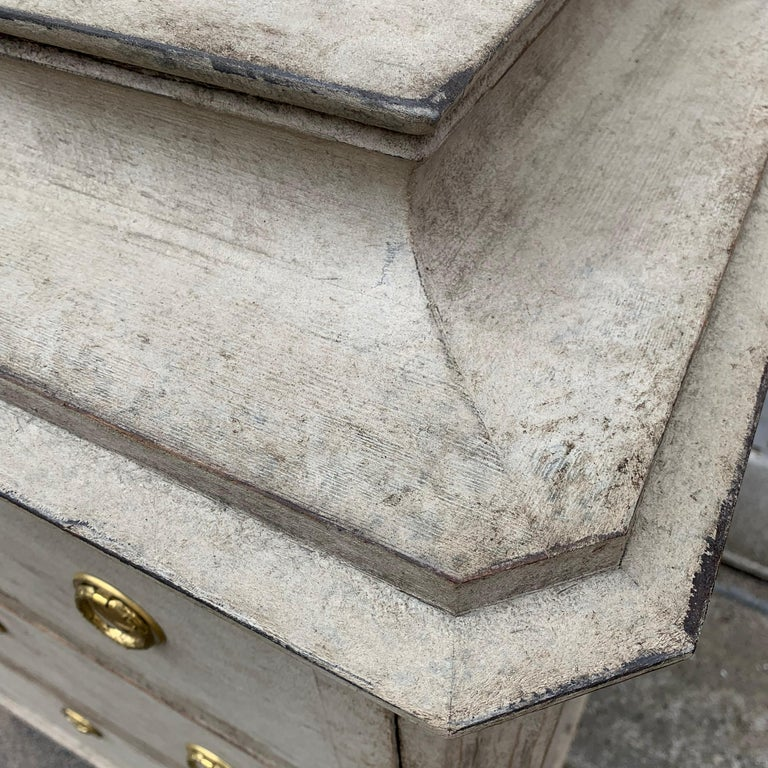 Swedish 19th Century Gray-Painted Gustavian Style Chest of Drawers For Sale 15