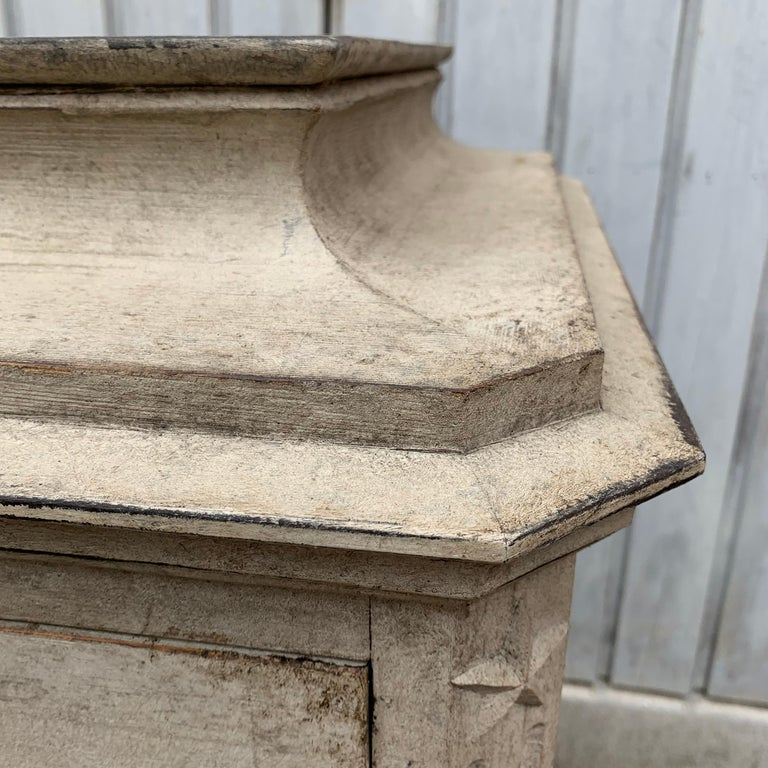 Swedish 19th Century Gray-Painted Gustavian Style Chest of Drawers For Sale 5