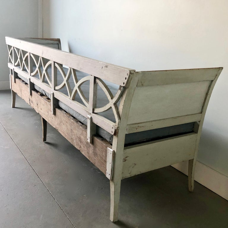 Swedish 19th Century Gustavian Style Long Sofa Settee In Good Condition For Sale In Charleston, SC
