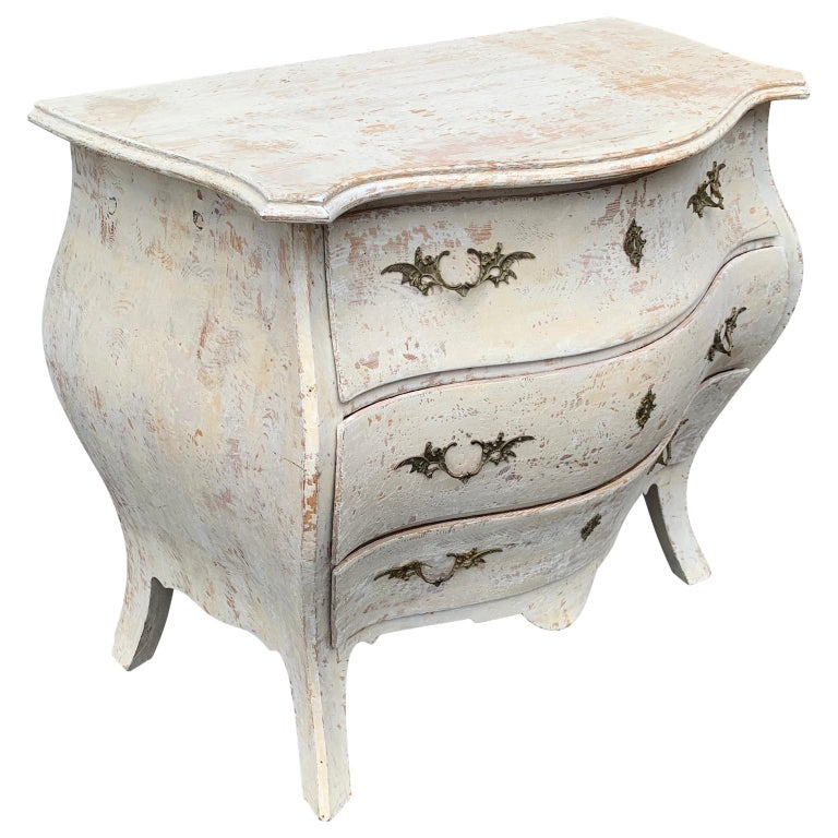 Rococo 19th Century Gustavian Painted Bombè Chest of Drawers, Sweden For Sale
