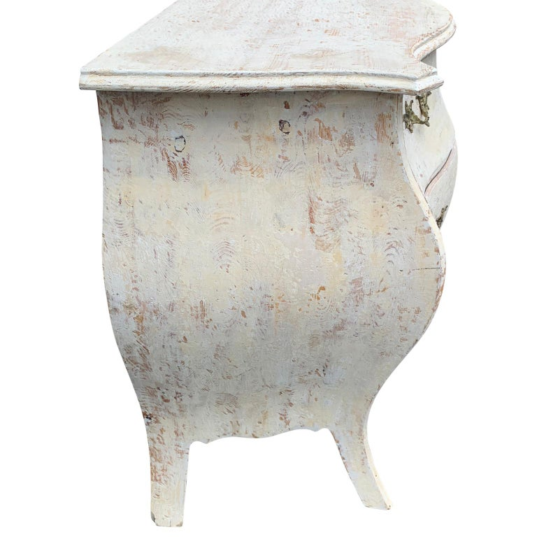 Wood 19th Century Gustavian Painted Bombè Chest of Drawers, Sweden For Sale