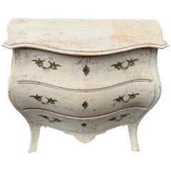 Swedish 19th Century Gustavian Style Painted Bombè Chest of Drawers