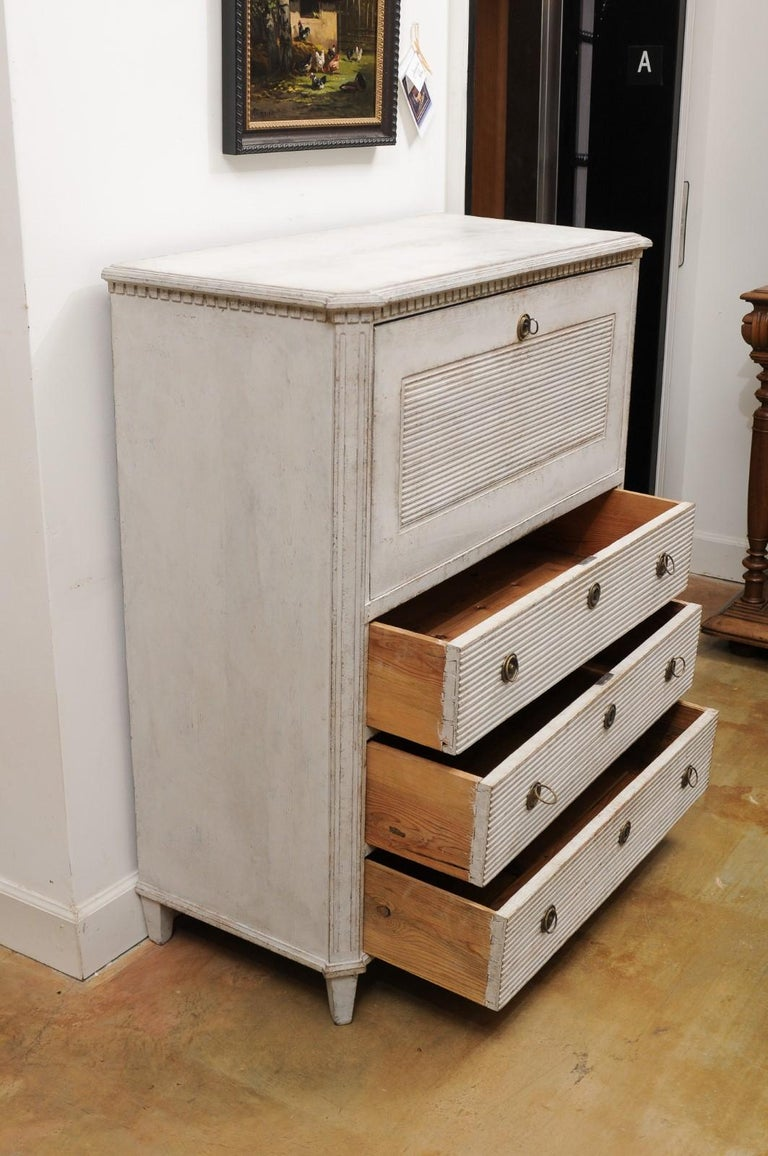 Swedish 19th Century Gustavian Style Painted Wood Drop-Front Secretary For Sale 6