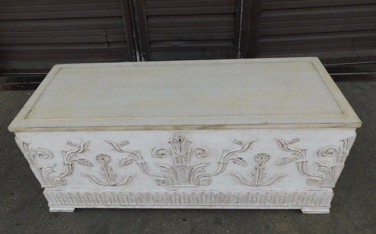 Swedish Art Deco Era Gustavian White Painted Storage Chest Circa 1920 In Good Condition For Sale In Richmond, VA