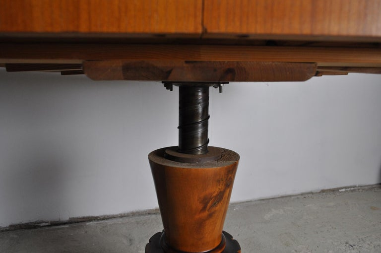 Swedish Art Deco Golden Elm Table, circa 1930 For Sale 8