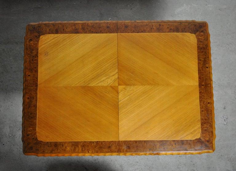 Swedish Art Deco Golden Elm Table, circa 1930 In Good Condition For Sale In Vordingborg, DK