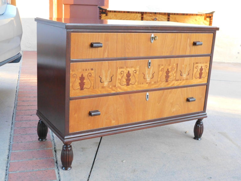 Swedish Art Deco Inlaid Chest of Drawers in Elm, Rosewood and Birch Root, 1930s In Good Condition For Sale In Richmond, VA